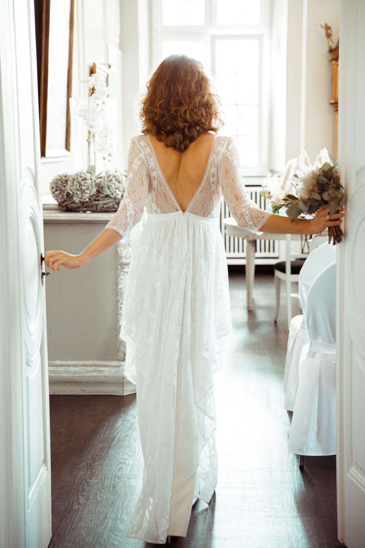 Rückenausschnitt Brautkeid