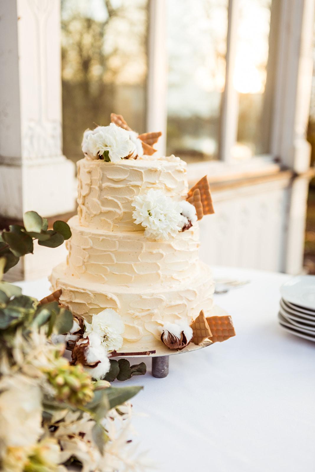 Cotton Wedding Love